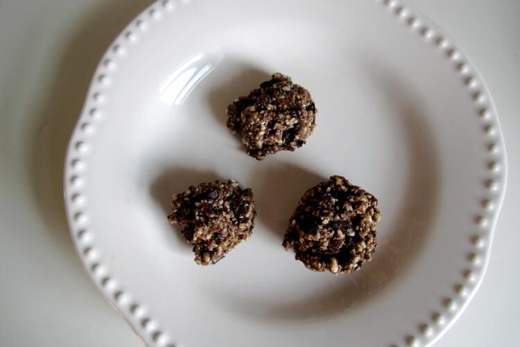 Cashew Chocolate Balls